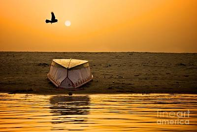 Dawn On The Ganga Print by Valerie Rosen