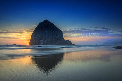 Day's End In Cannon Beach Print by Rick Berk