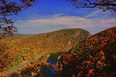 Photograph - Delaware Water Gap In The Fall by Raymond Salani III