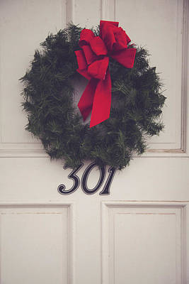 Door With Red Bow Wreath Print by Toni Hopper