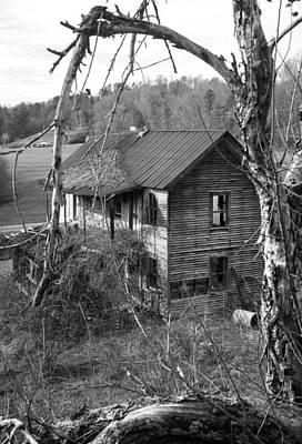 Early 1900s Photograph - Early 1900s Farmhouse by Douglas Barnett