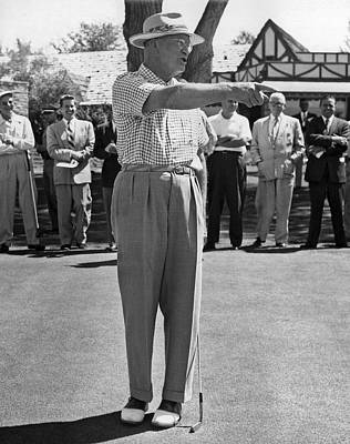 Dwight Photograph - Eisenhower Golf Complaint by Underwood Archives