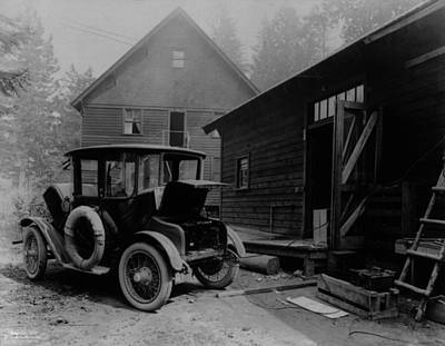 Horseless Carriages Photograph - Electric Auto At Re-charging Station by Everett