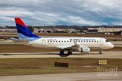 Embraer Erj-170-100se Shuttle America And Delta Connection In San Antonio Print by Wernher Krutein