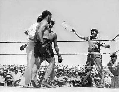Boxing Gloves Photograph - End Of Baer-uzcudun Fight by Underwood Archives
