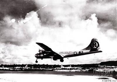 Enola Gay Landing After Hiroshima Print by Photo Researchers