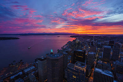 Fiery Seattle Sunset And Skyline Print by Mike Reid