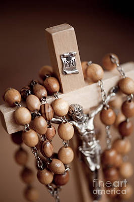 Inri Photograph - Figurine Of Jesus In Wood Rosary by Arletta Cwalina