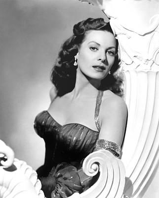 Earrings Photograph - Flame Of Araby, Maureen Ohara, 1951 by Everett