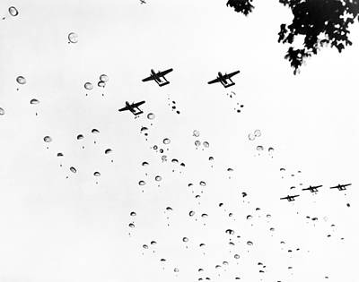 Fort Bragg Paratroopers Print by Underwood Archives