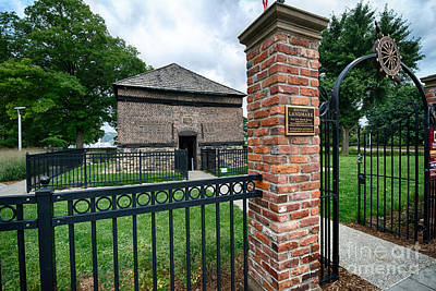 Fort Photograph - Fort Pitt Block House Pittsburgh Pennsylvania by Amy Cicconi