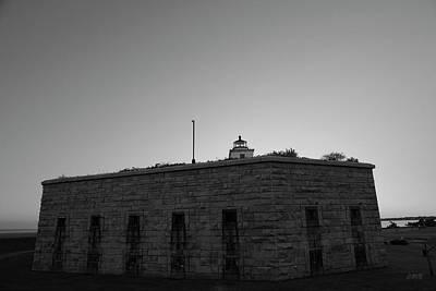 Fort Taber Nb II Bw Print by David Gordon