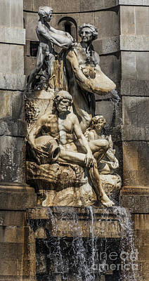Barcelona Mixed Media - Fountain People by Svetlana Sewell