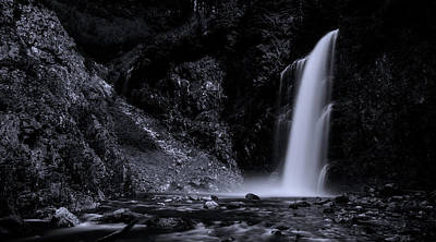 Franklin Photograph - Franklin Falls Black And White by Pelo Blanco Photo