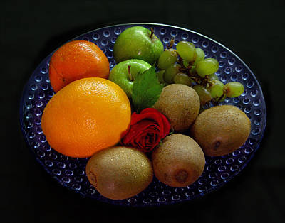 Fruit Dish Print by Peter Piatt