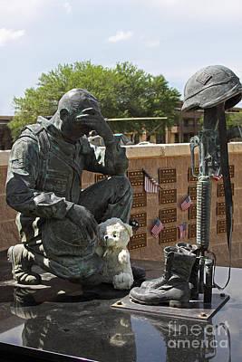 Ft. Hood War Memorial Print by Linda Phelps