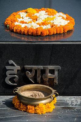 Mahatma Gandhi Photograph - Gandhi Tomb, Raj Ghat, New Delhi, India by Panoramic Images