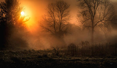 Sunrise Photograph - Glowing Sunrise by Everet Regal