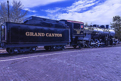 Old Trains Photograph - Grand Canyon Engine 539 Train by Garry Gay