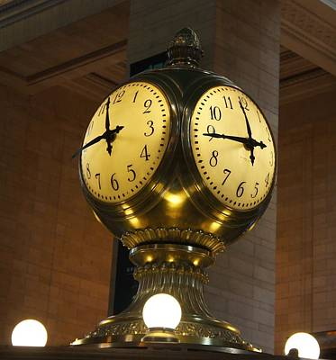 Usa Photograph - Grand Central Terminal Clock by Art Spectrum