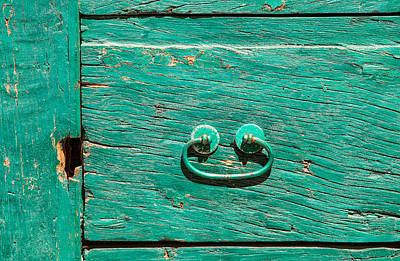 Green Door Handle Of Tuscany Print by David Letts