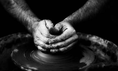 Ceramics Photograph - Hands That Form by Quino Al