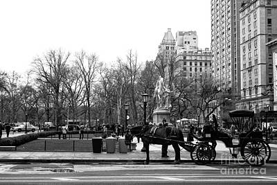 Handsome Cab At The Grand Army Plaza Print by John Rizzuto