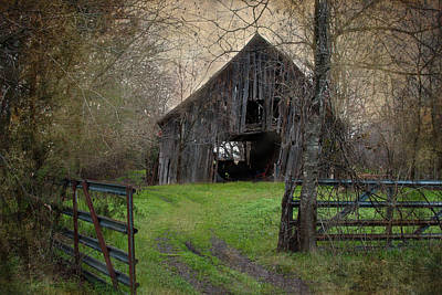 Haunted Barn Print by Lisa Moore