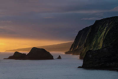 Helicopters Photograph - Hawaii Sunrise At The Pololu Valley Lookout by Larry Marshall