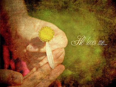 Stamen Digital Art - He Loves Me. by Kelly Nelson