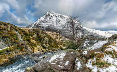 Winter-landscape Digital Art - Head Of The White Slope by Adrian Evans