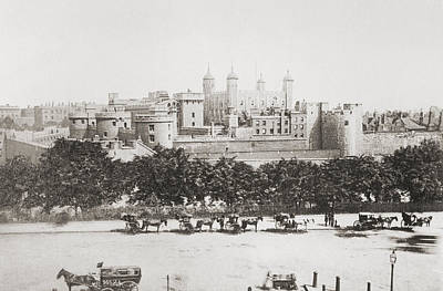 Tower Of London Drawing - Her Majesty S Royal Palace And by Vintage Design Pics