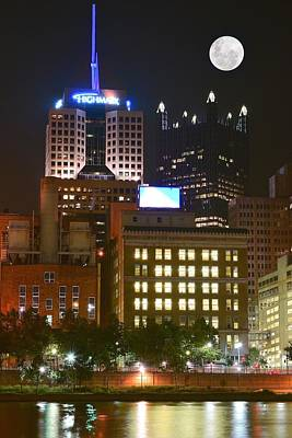 Highmark In Downtown Pittsburgh Print by Frozen in Time Fine Art Photography