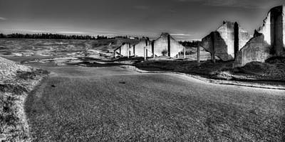 Golfing Photograph - Hole #18 - Back To The Club House by David Patterson