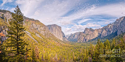 El Capitan Photograph - Idyllic View Of Yosemite Valley From Tunnel View Vista - Sierra Nevada California by Silvio Ligutti