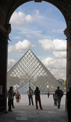 Louve Photograph - I.m. Pei Pyramid At Louve In Paris by Carl Purcell