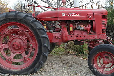Old Machines Photograph - International Harvester Mccormick Farmall Farm Tractor . 7d10323 by Wingsdomain Art and Photography