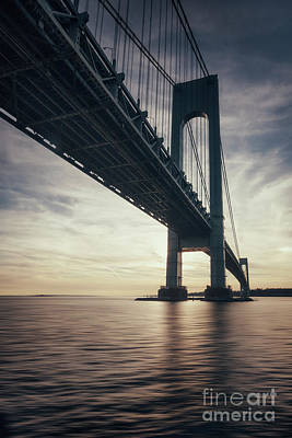 Staten Photograph - Into The Light by Evelina Kremsdorf