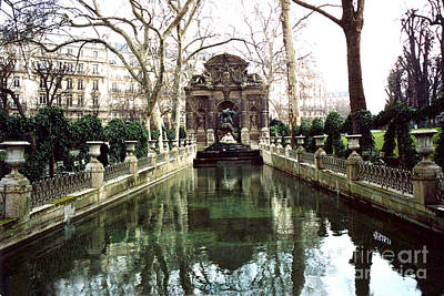 Jardin Du Luxembourg Gardens - Medici Fountain Print by Kathy Fornal