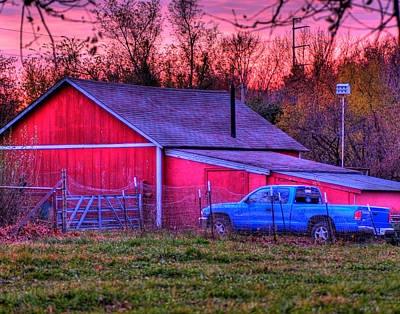 Landscap Photograph - Jeff's Barn by Don Wolf