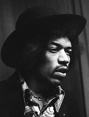 Jimi Hendrix Profile 1967 Print by Chris Walter