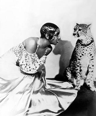 1920s Fashion Photograph - Josephine Baker And Her Cheetah by Everett