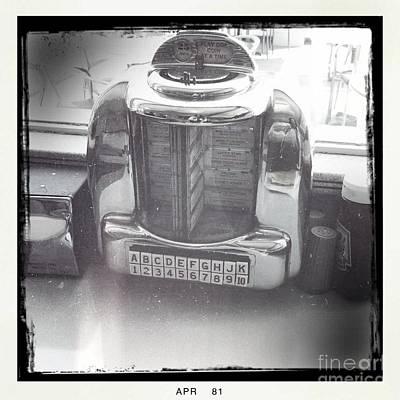 Juke Box Photograph - Juke Box by Nina Prommer