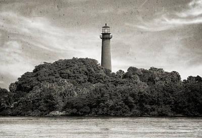 Jupiter Inlet Lighthouse - 3 Print by Frank J Benz