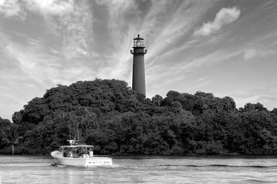 Jupiter Inlet Lighthouse - 5 Print by Frank J Benz