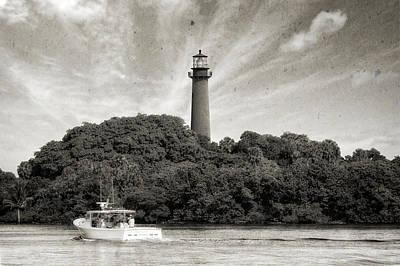 Jupiter Inlet Lighthouse - 6 Print by Frank J Benz