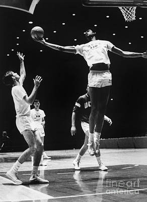 Basketball Photograph - Kareem Abdul Jabbar (1947-) by Granger