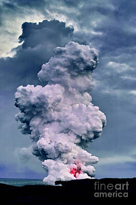 Kilauea Eruption Original by Amber Crago