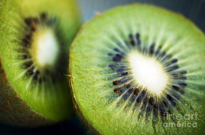 Kiwi Photograph - Kiwi Fruit Halves by Ray Laskowitz - Printscapes