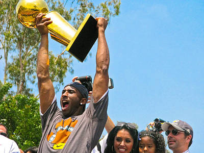 Kobe And The Trophy Print by Carl Jackson